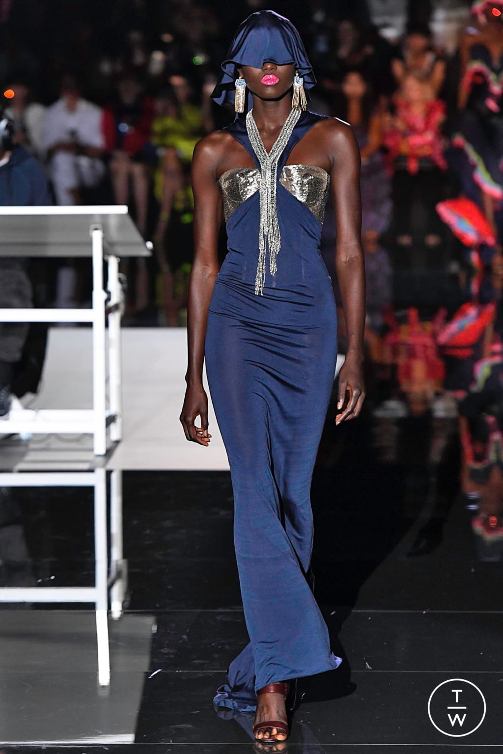 Fashion Week Paris Fall/Winter 2019 look 21 de la collection Schiaparelli couture