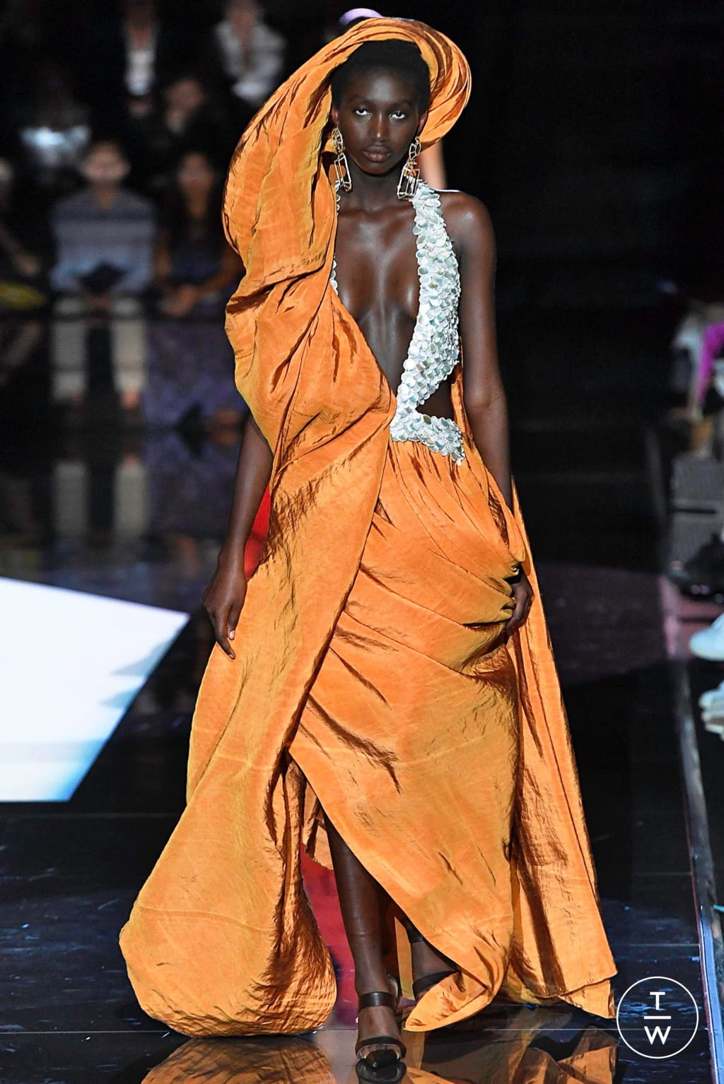 Fashion Week Paris Fall/Winter 2019 look 24 from the Schiaparelli collection couture