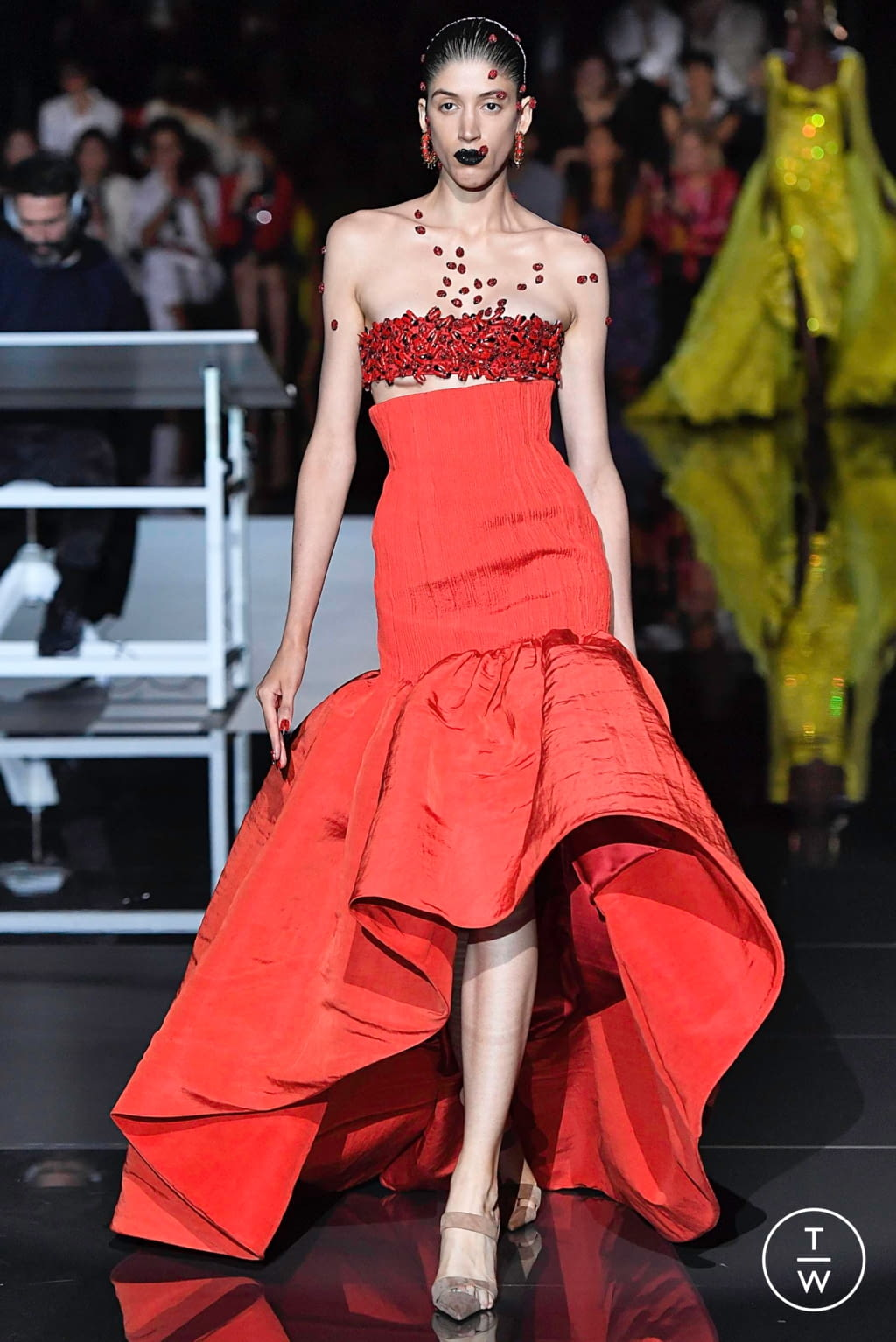 Fashion Week Paris Fall/Winter 2019 look 25 from the Schiaparelli collection couture