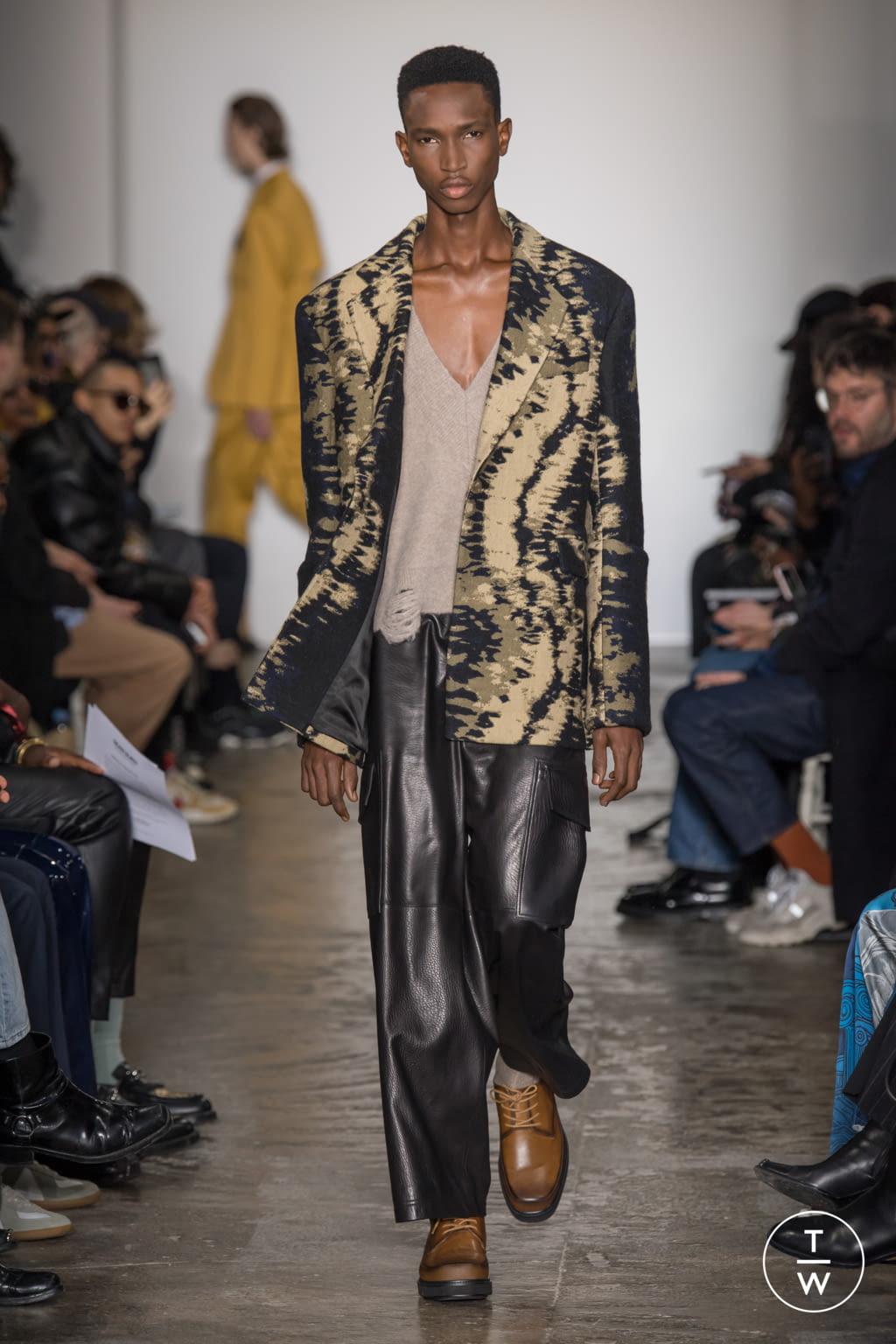 Fashion Week Paris Fall/Winter 2020 look 13 from the Sean Suen collection menswear
