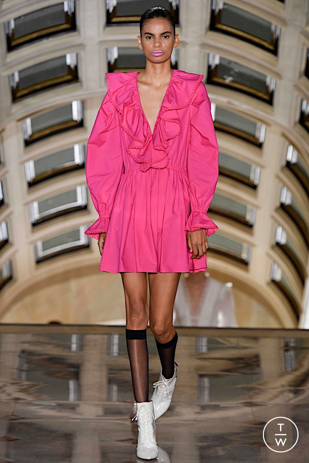 Fashion Week New York Spring/Summer 2020 look 25 from the Self Portrait collection womenswear