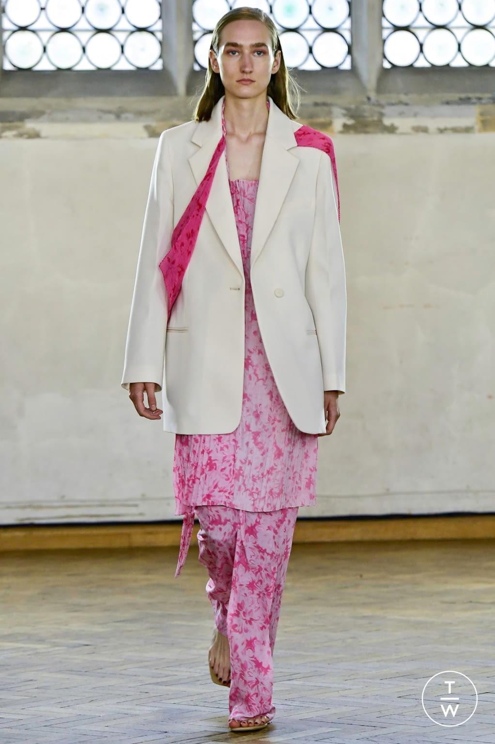 Fashion Week London Spring/Summer 2020 look 24 de la collection Sharon Wauchob womenswear
