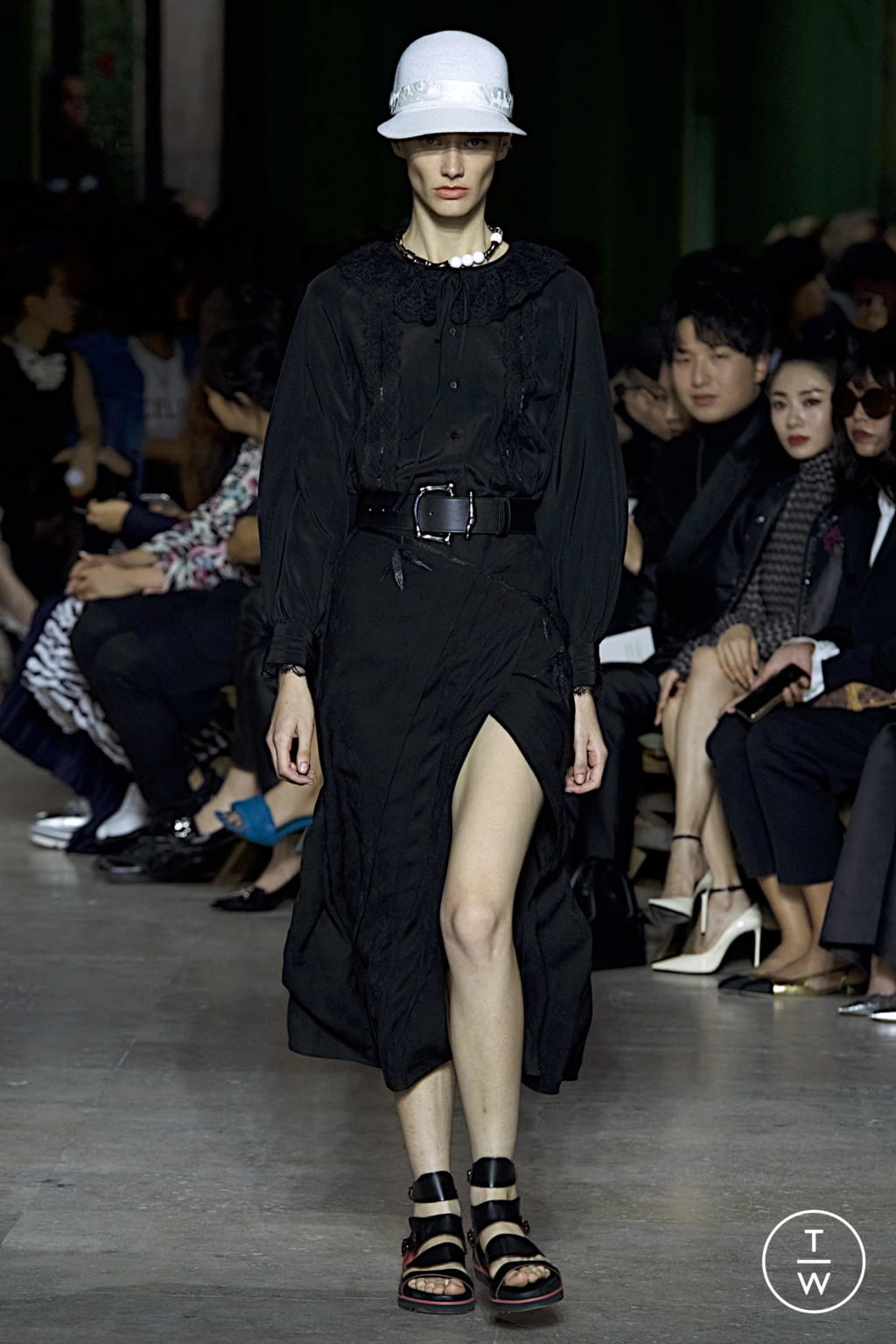 Fashion Week Paris Spring/Summer 2020 look 3 from the Shiatzy Chen collection womenswear