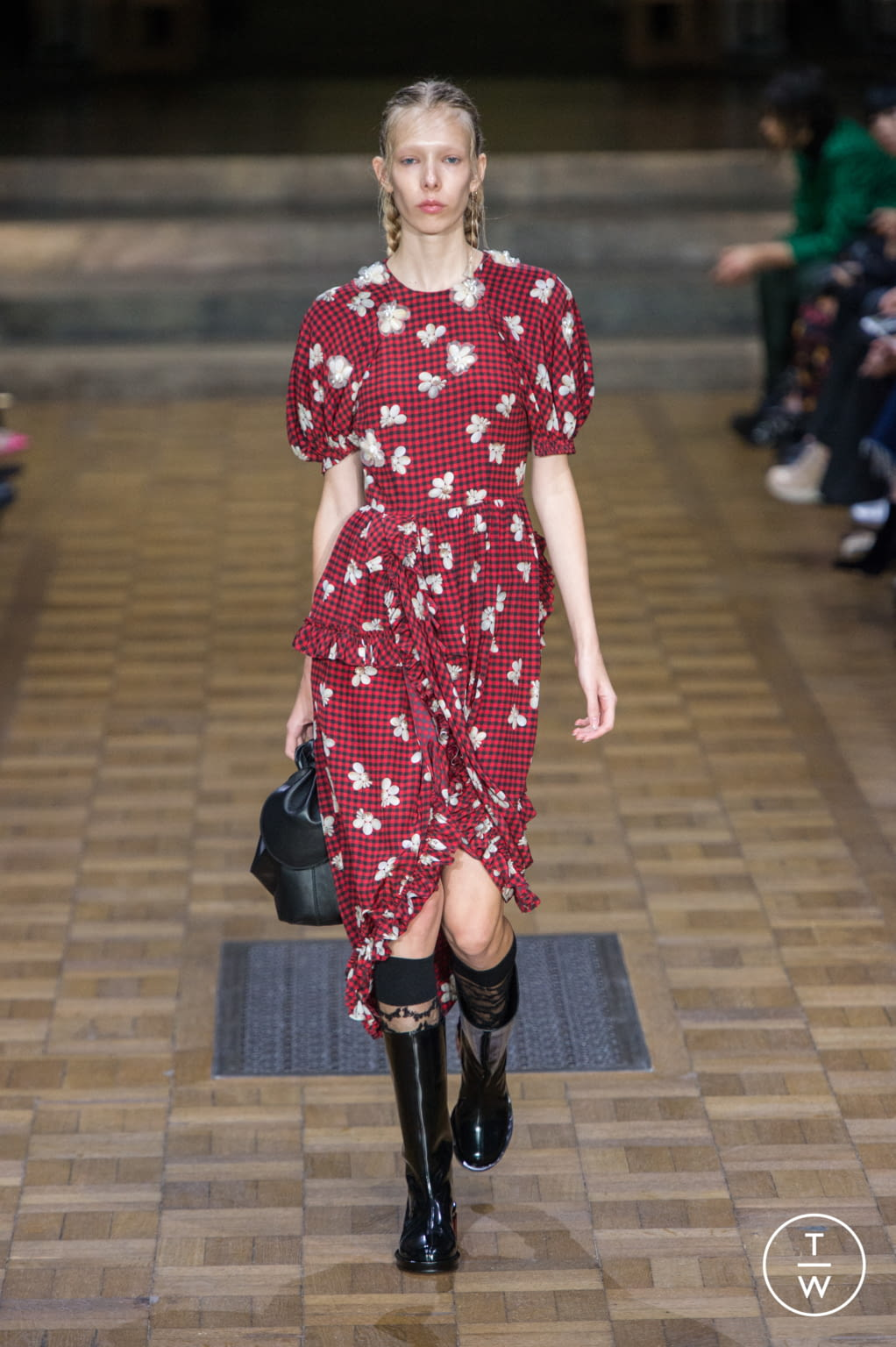 Fashion Week London Spring/Summer 2017 look 15 from the Simone Rocha collection womenswear