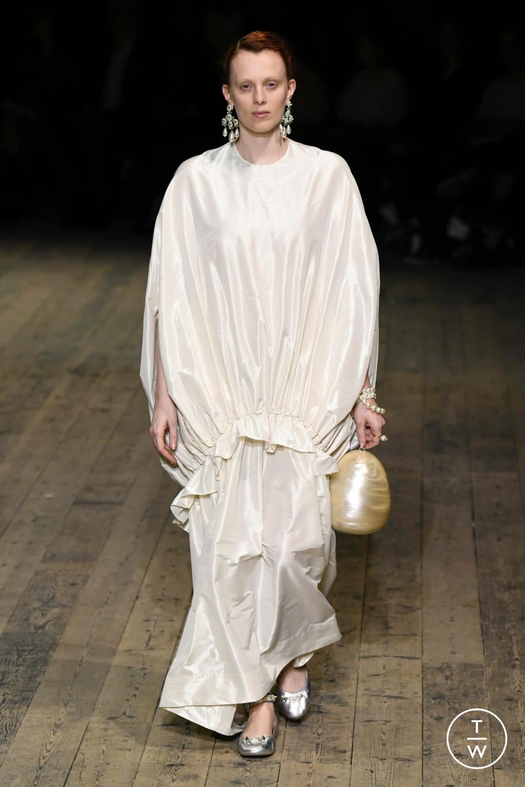 Fashion Week London Spring/Summer 2020 look 42 de la collection Simone Rocha womenswear