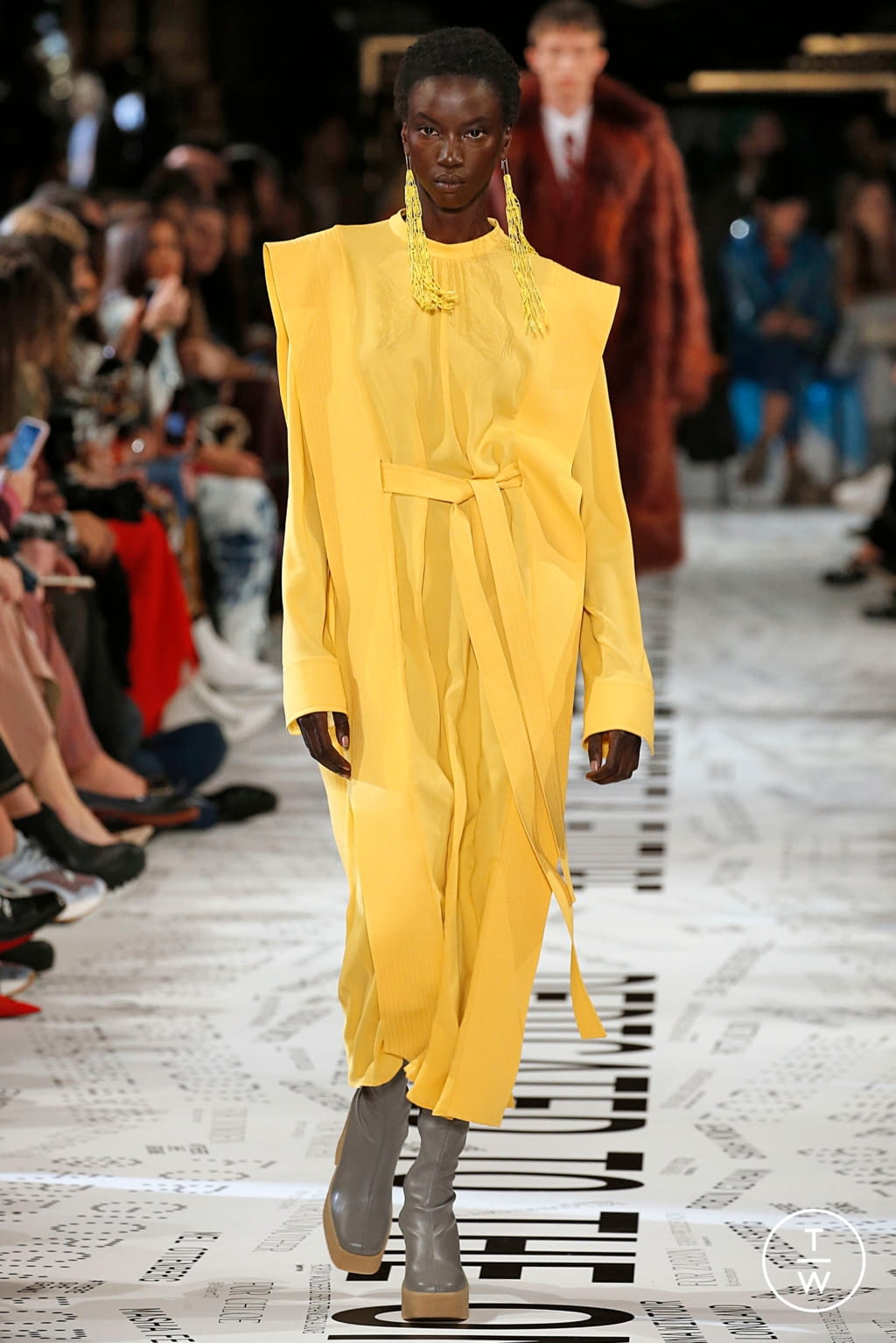 Fashion Week Paris Fall/Winter 2019 look 9 from the Stella McCartney collection 女装