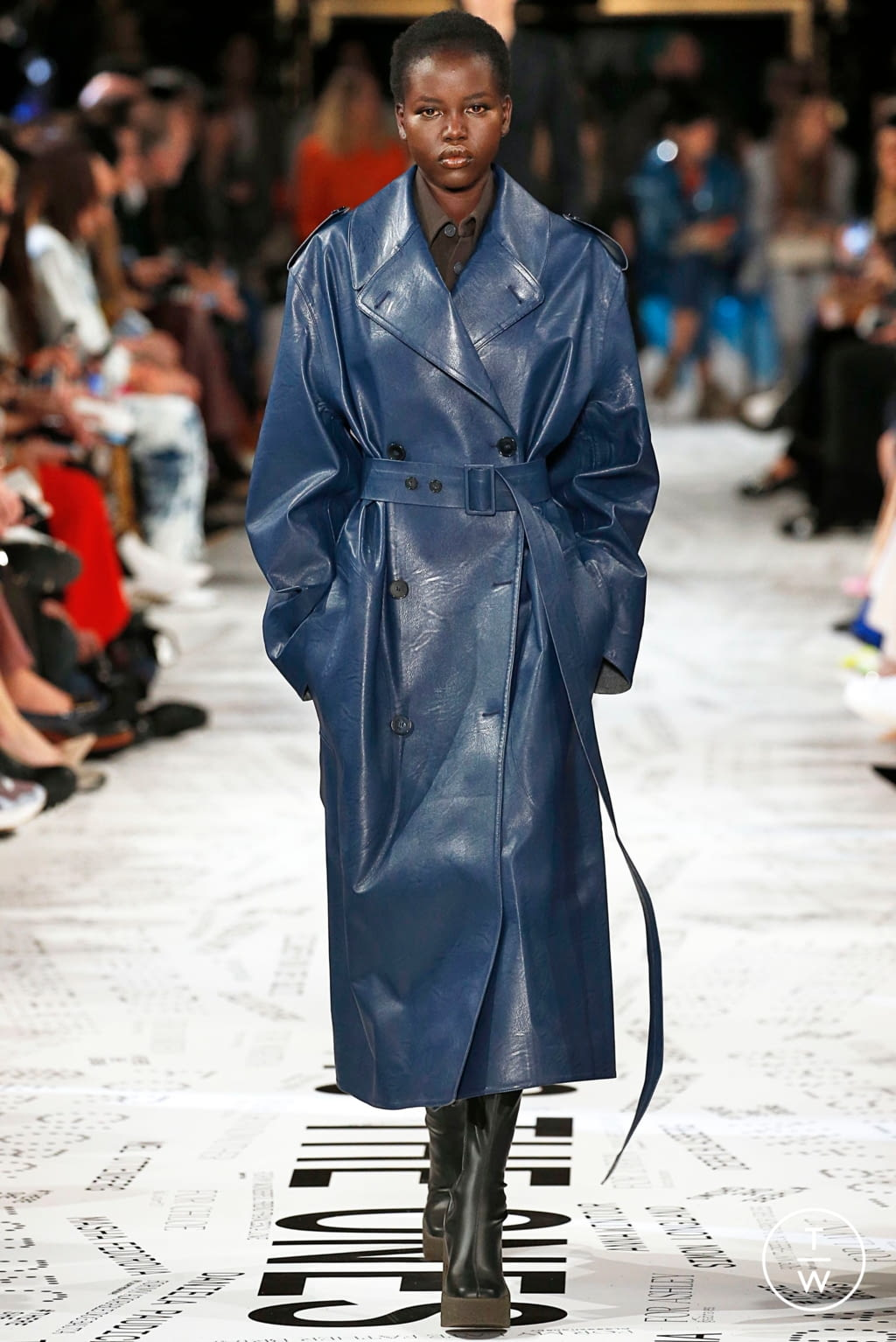 Fashion Week Paris Fall/Winter 2019 look 42 from the Stella McCartney collection 女装