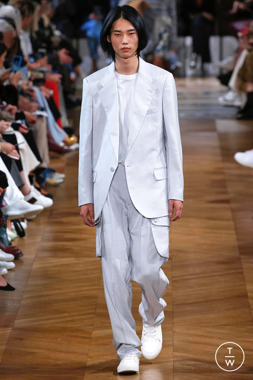 Fashion Week Paris Spring/Summer 2019 look 13 from the Stella McCartney collection 女装