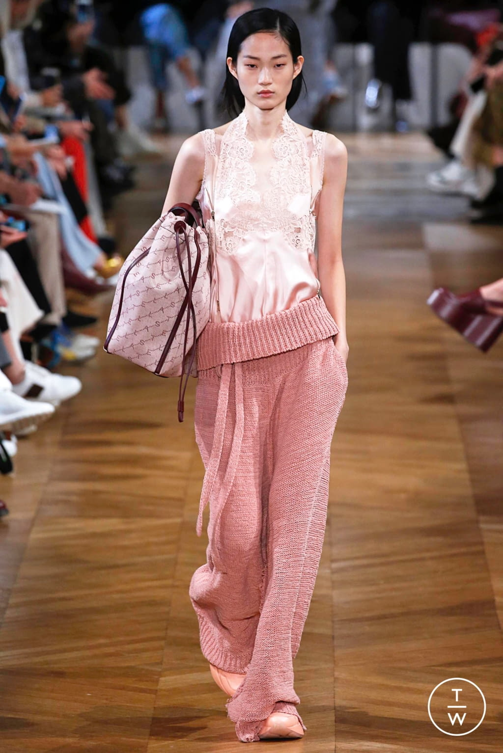 Fashion Week Paris Spring/Summer 2019 look 18 from the Stella McCartney collection womenswear