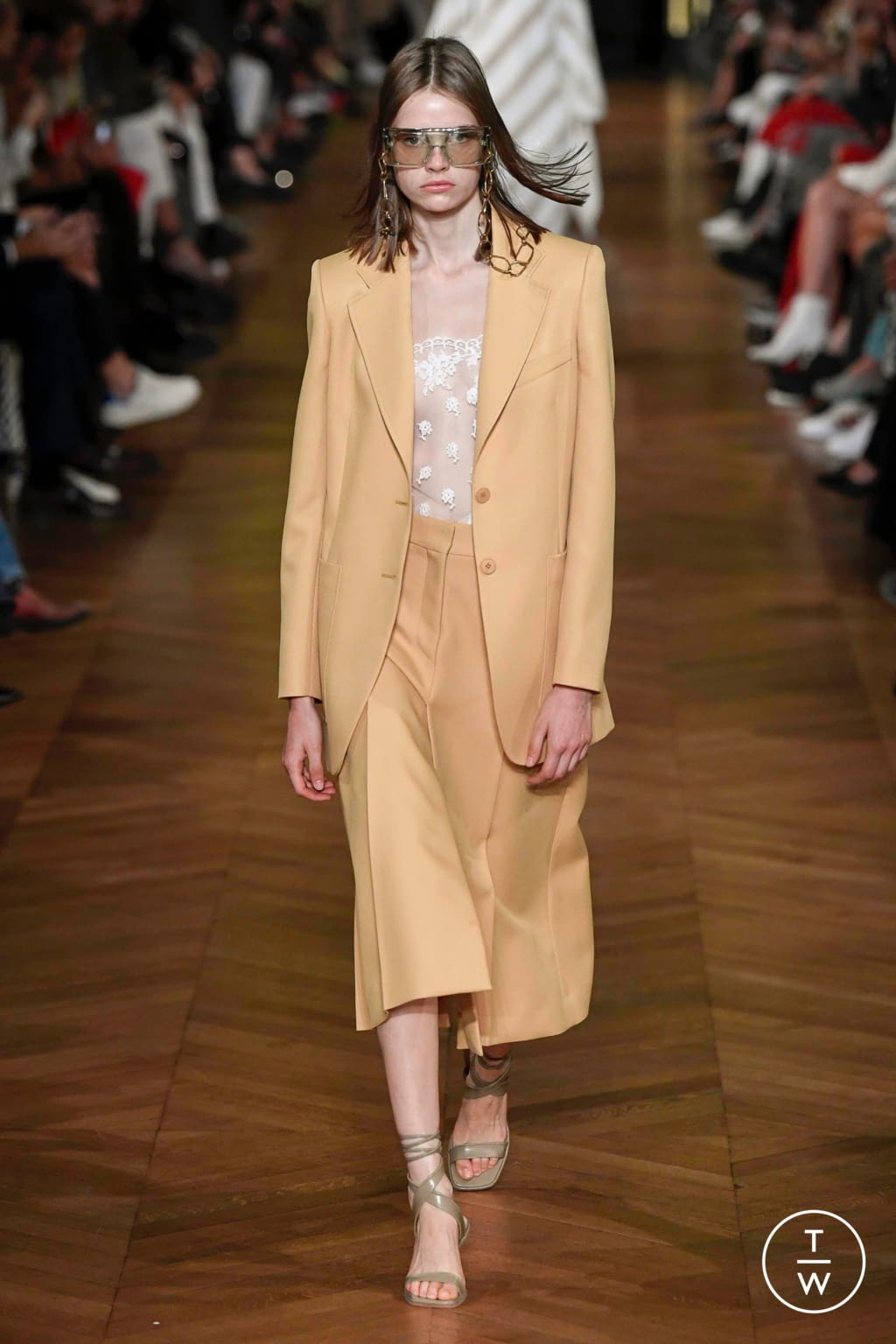 Fashion Week Paris Spring/Summer 2020 look 19 from the Stella McCartney collection womenswear
