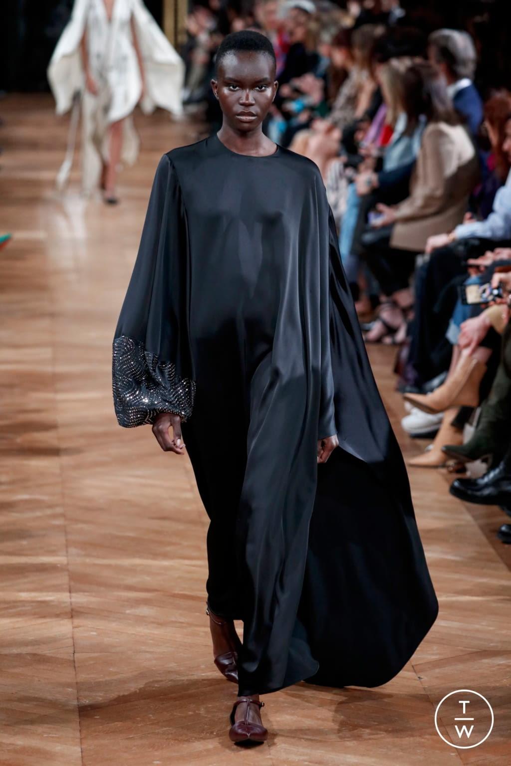 Fashion Week Paris Fall/Winter 2020 look 50 from the Stella McCartney collection womenswear