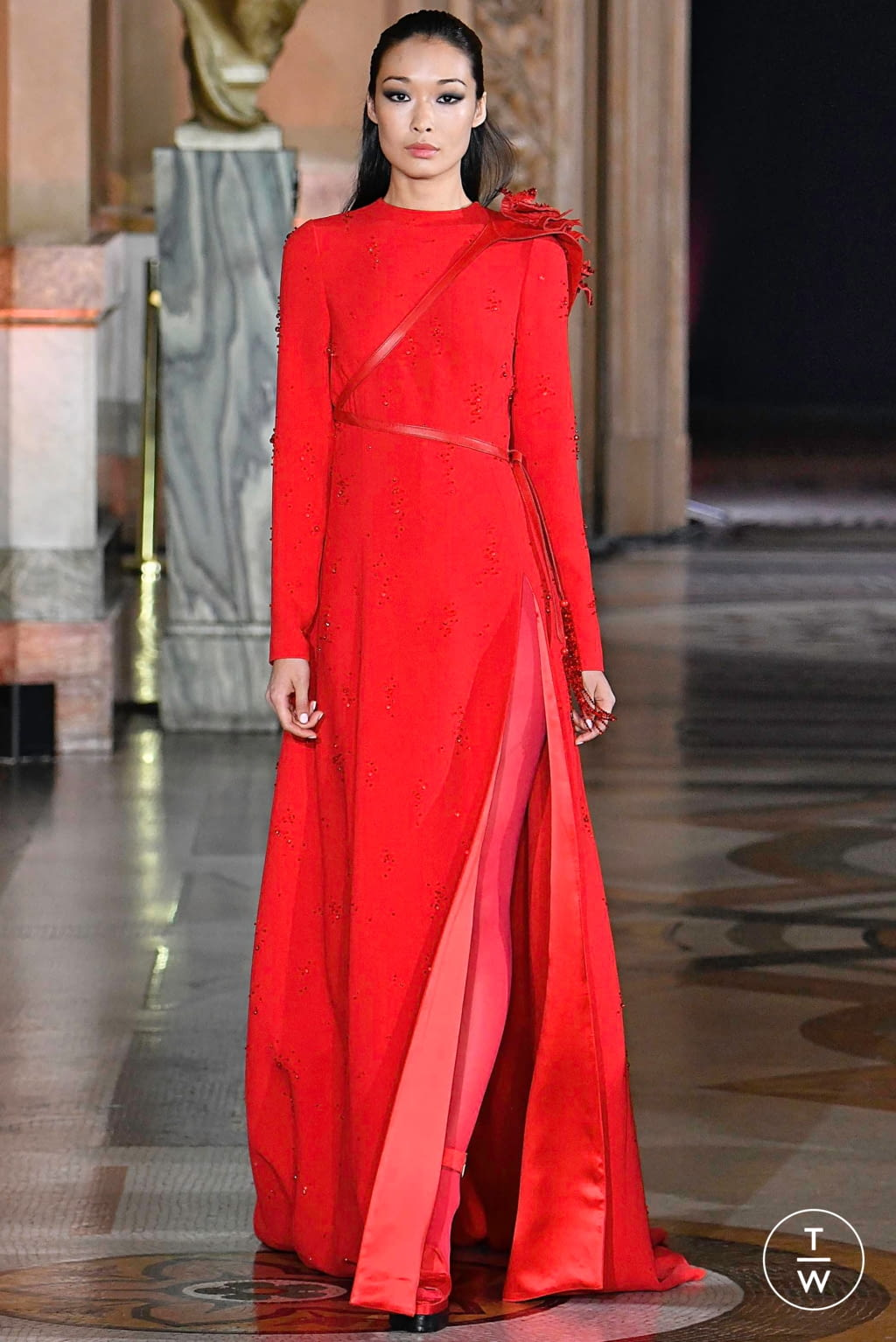 Fashion Week Paris Fall/Winter 2019 look 10 from the Stéphane Rolland collection couture