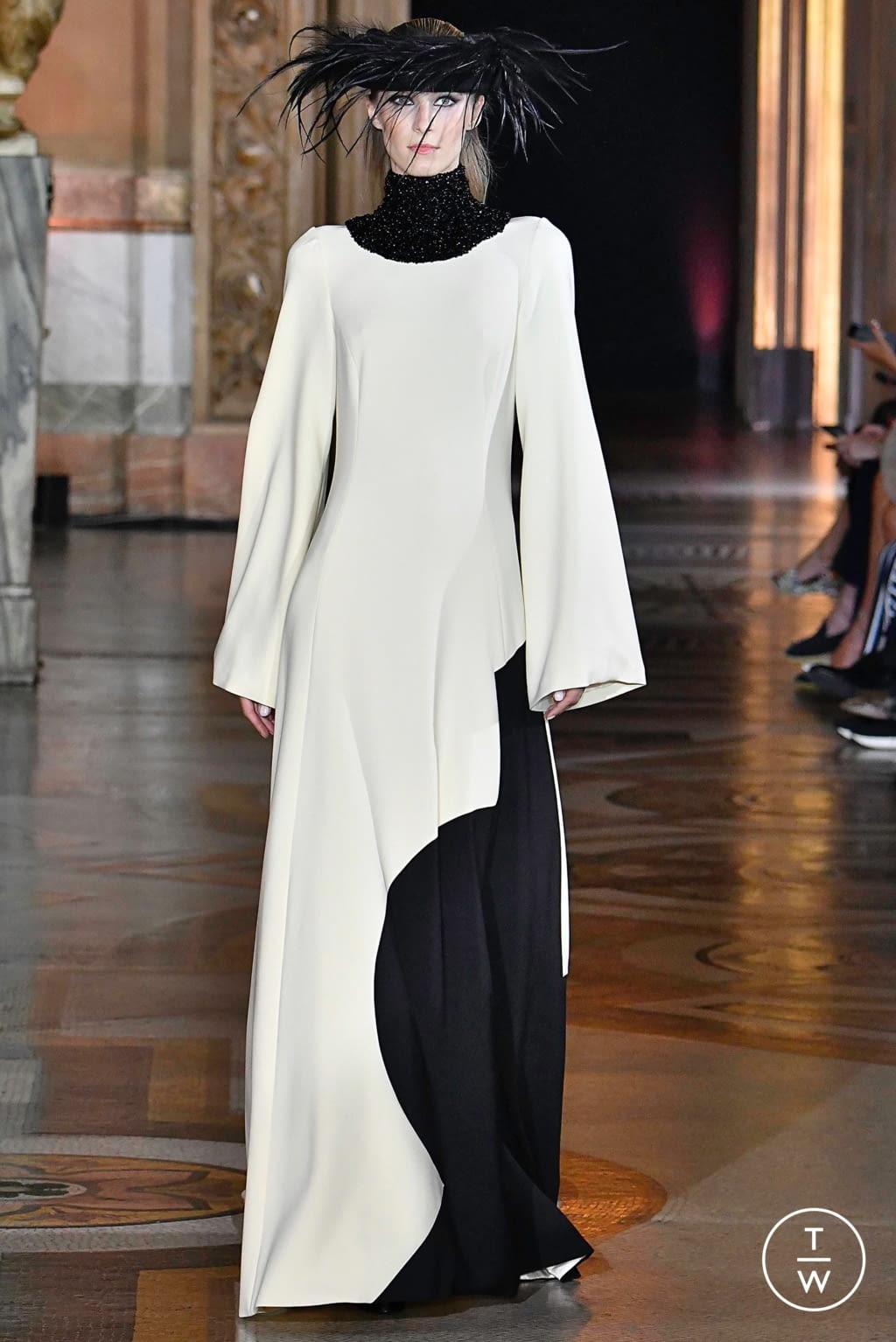 Fashion Week Paris Fall/Winter 2019 look 12 from the Stéphane Rolland collection couture