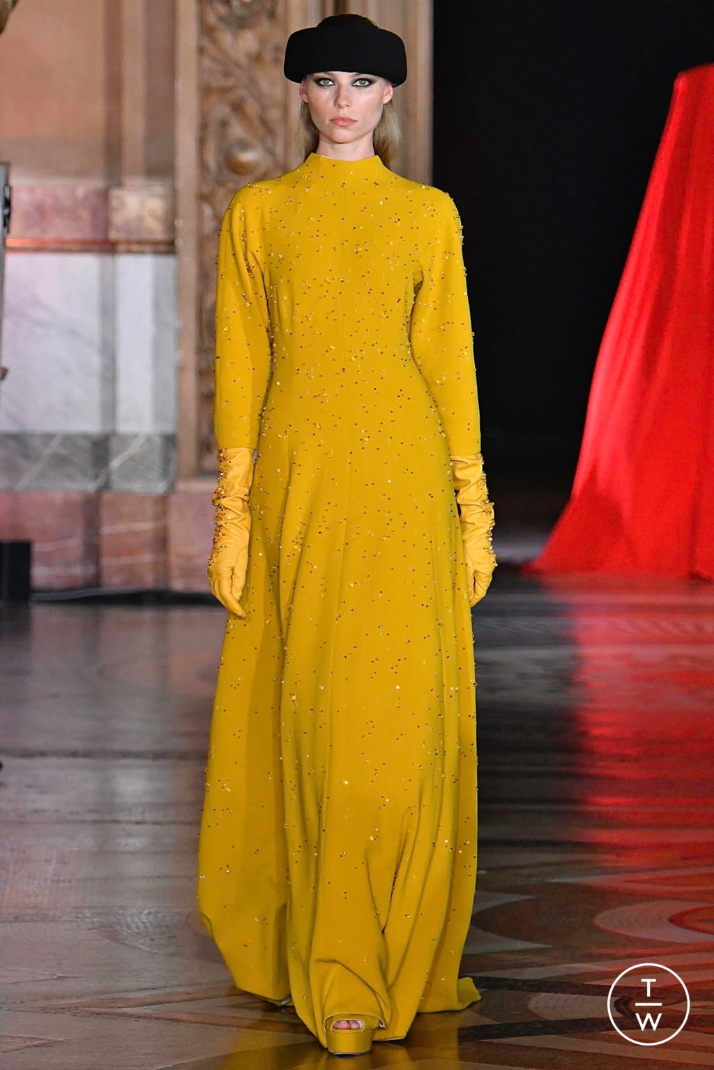 Fashion Week Paris Fall/Winter 2019 look 13 from the Stéphane Rolland collection couture
