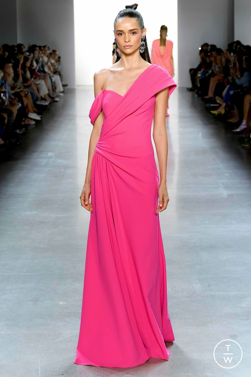 Fashion Week New York Spring/Summer 2020 look 16 from the Tadashi Shoji collection 女装