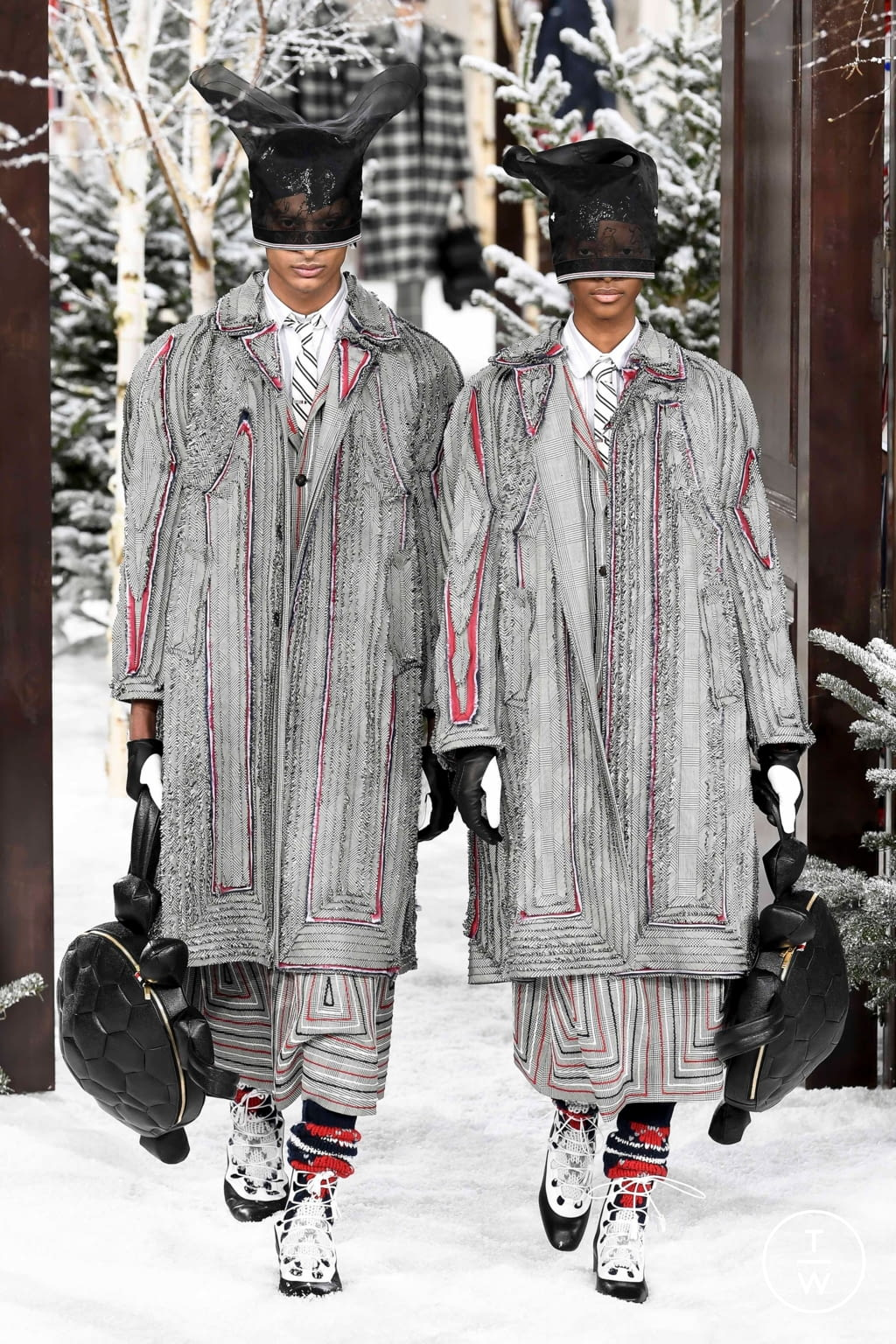 Fashion Week Paris Fall/Winter 2020 look 29 from the Thom Browne collection womenswear