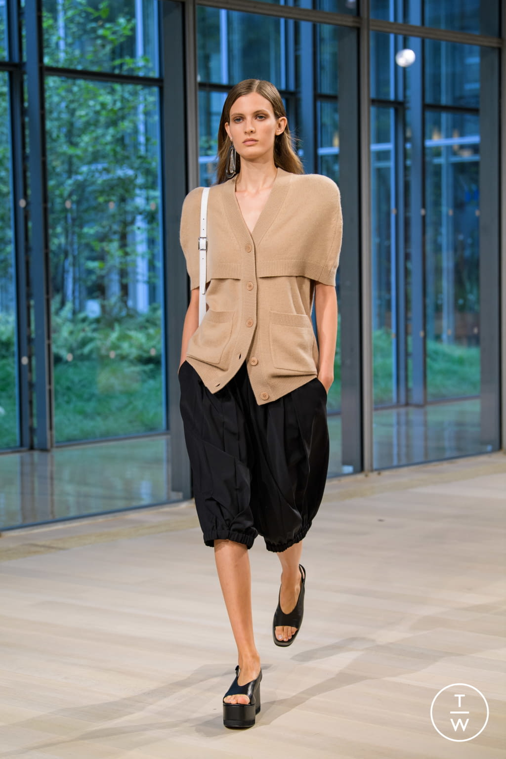 Fashion Week New York Spring/Summer 2020 look 21 from the Tibi collection 女装
