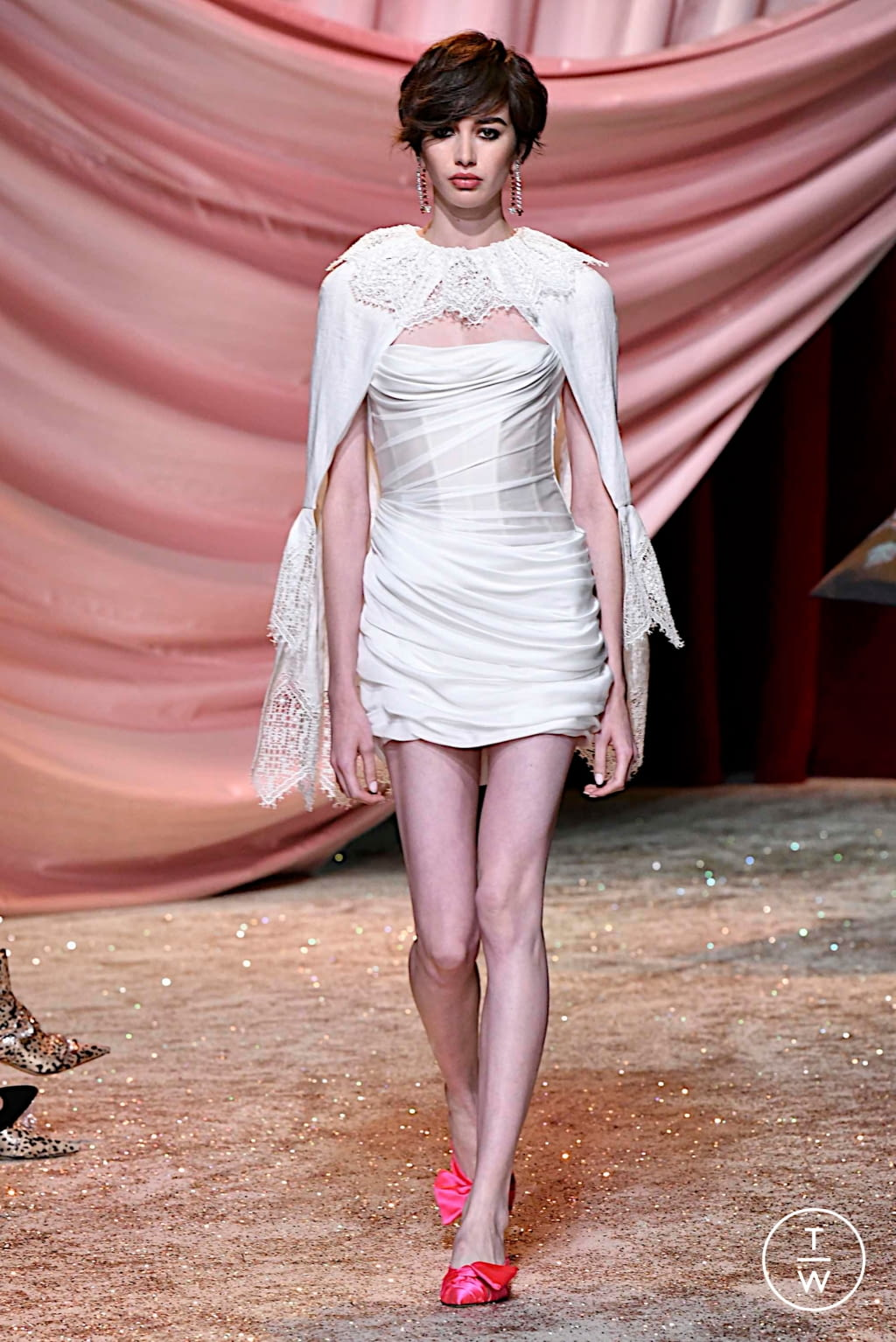 Fashion Week Paris Fall/Winter 2019 look 15 from the Ulyana Sergeenko collection couture
