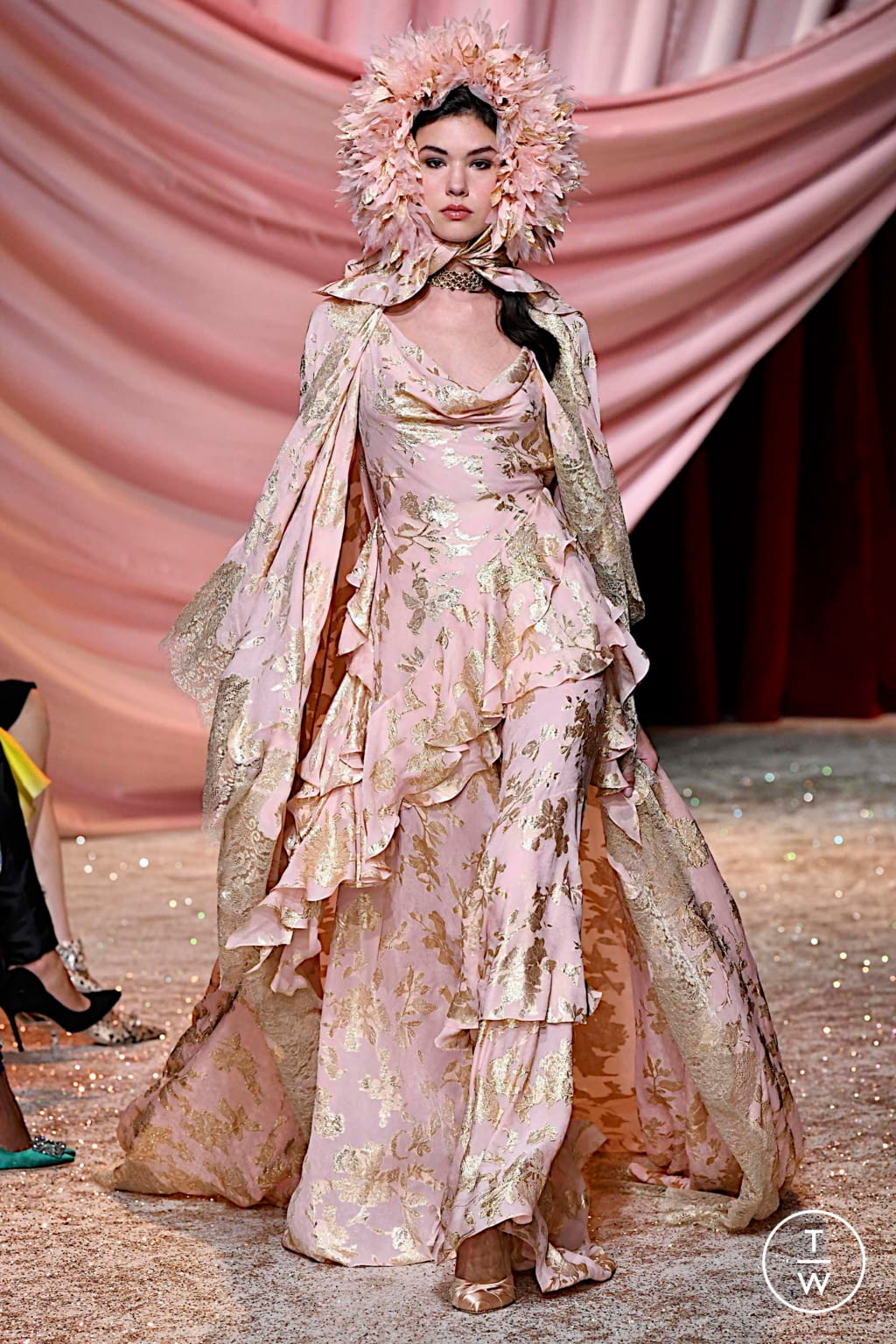 Fashion Week Paris Fall/Winter 2019 look 20 from the Ulyana Sergeenko collection couture