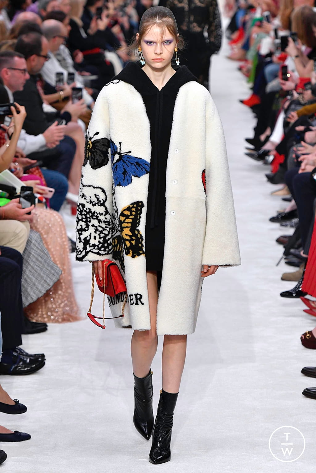 Fashion Week Paris Fall/Winter 2019 look 41 from the Valentino collection womenswear