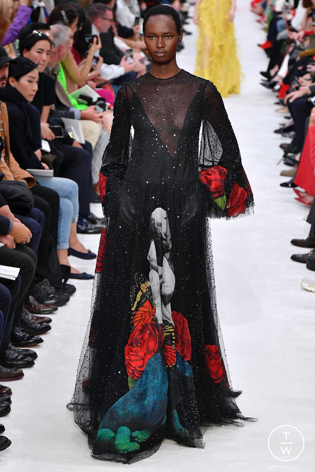 Fashion Week Paris Fall/Winter 2019 look 54 from the Valentino collection womenswear
