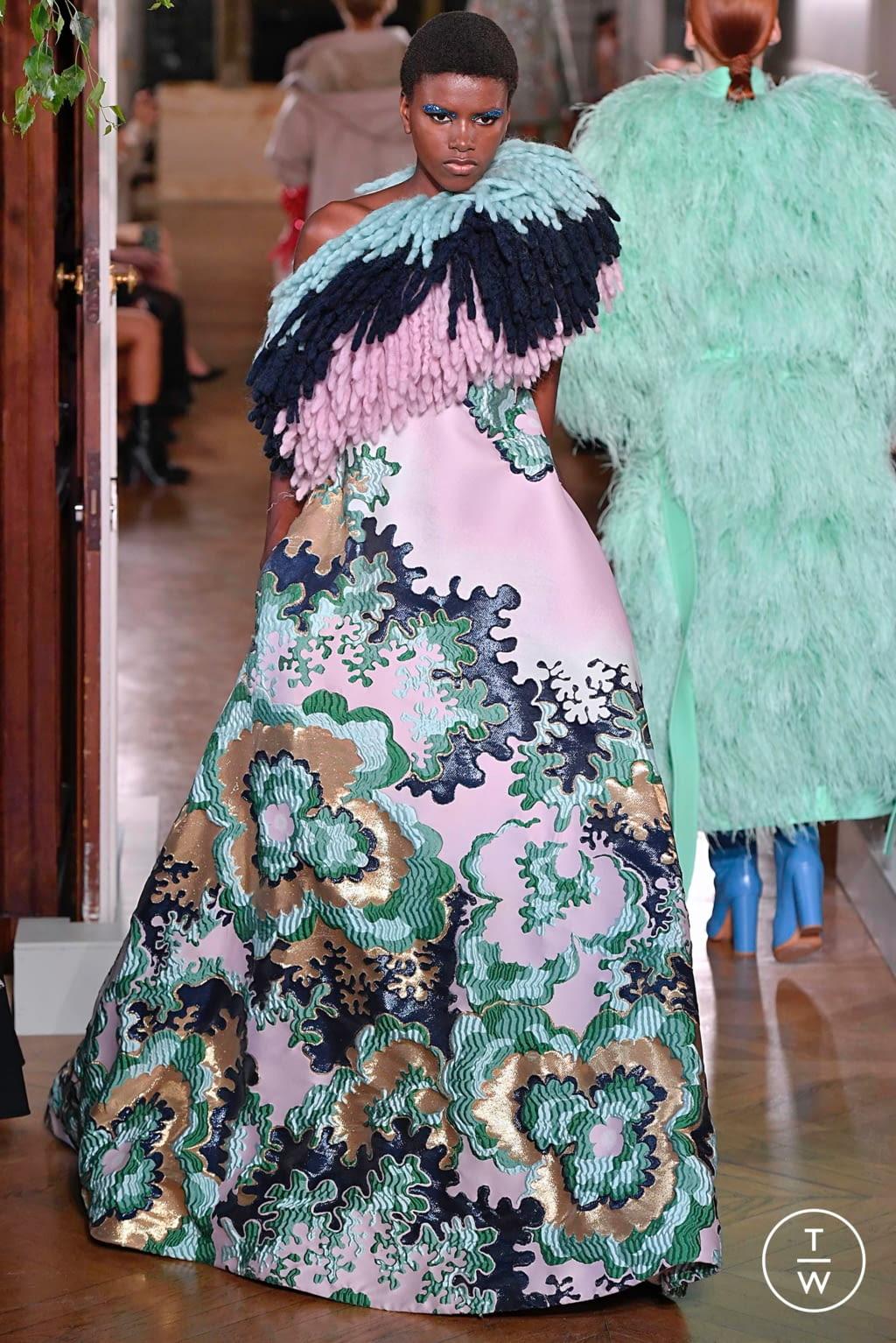 Fashion Week Paris Fall/Winter 2019 look 58 de la collection Valentino couture