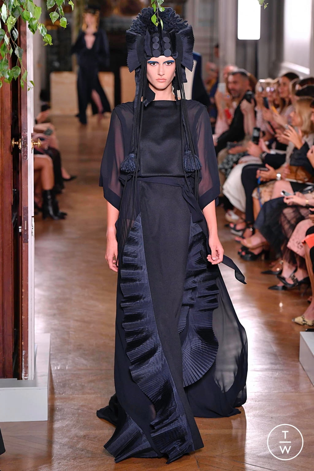 Fashion Week Paris Fall/Winter 2019 look 65 from the Valentino collection couture
