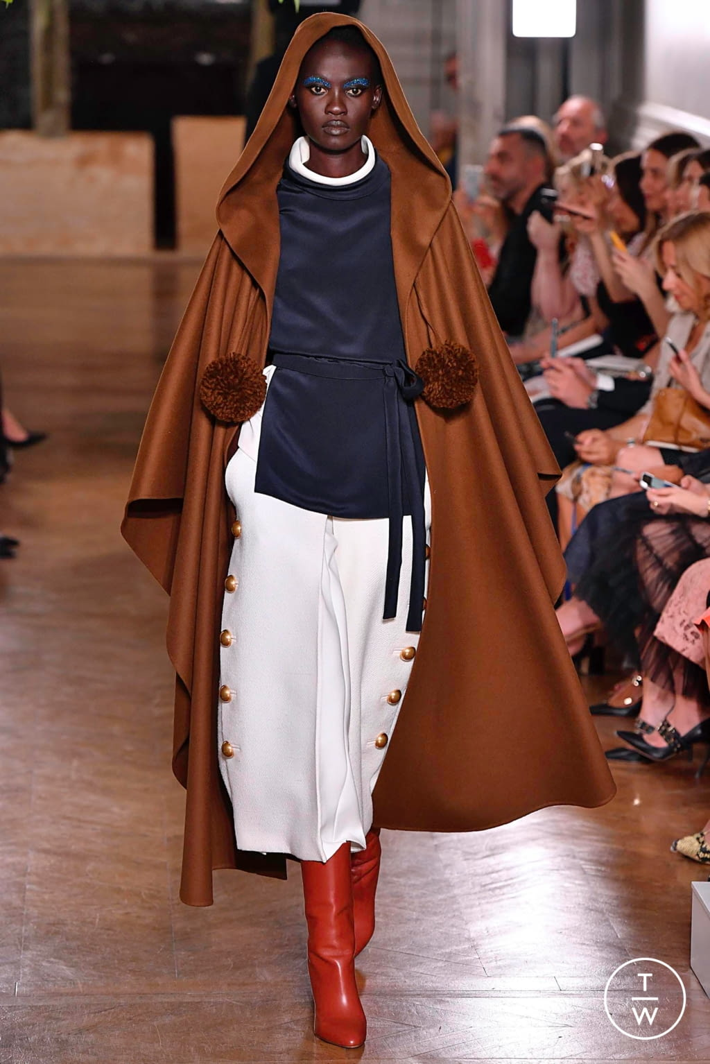 Fashion Week Paris Fall/Winter 2019 look 66 from the Valentino collection couture