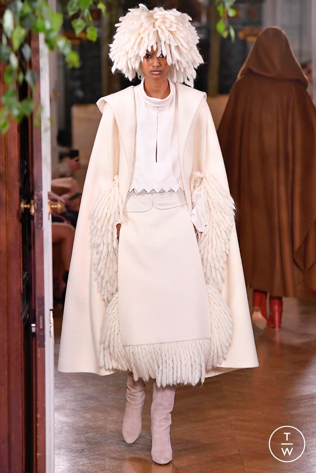 Fashion Week Paris Fall/Winter 2019 look 68 from the Valentino collection couture