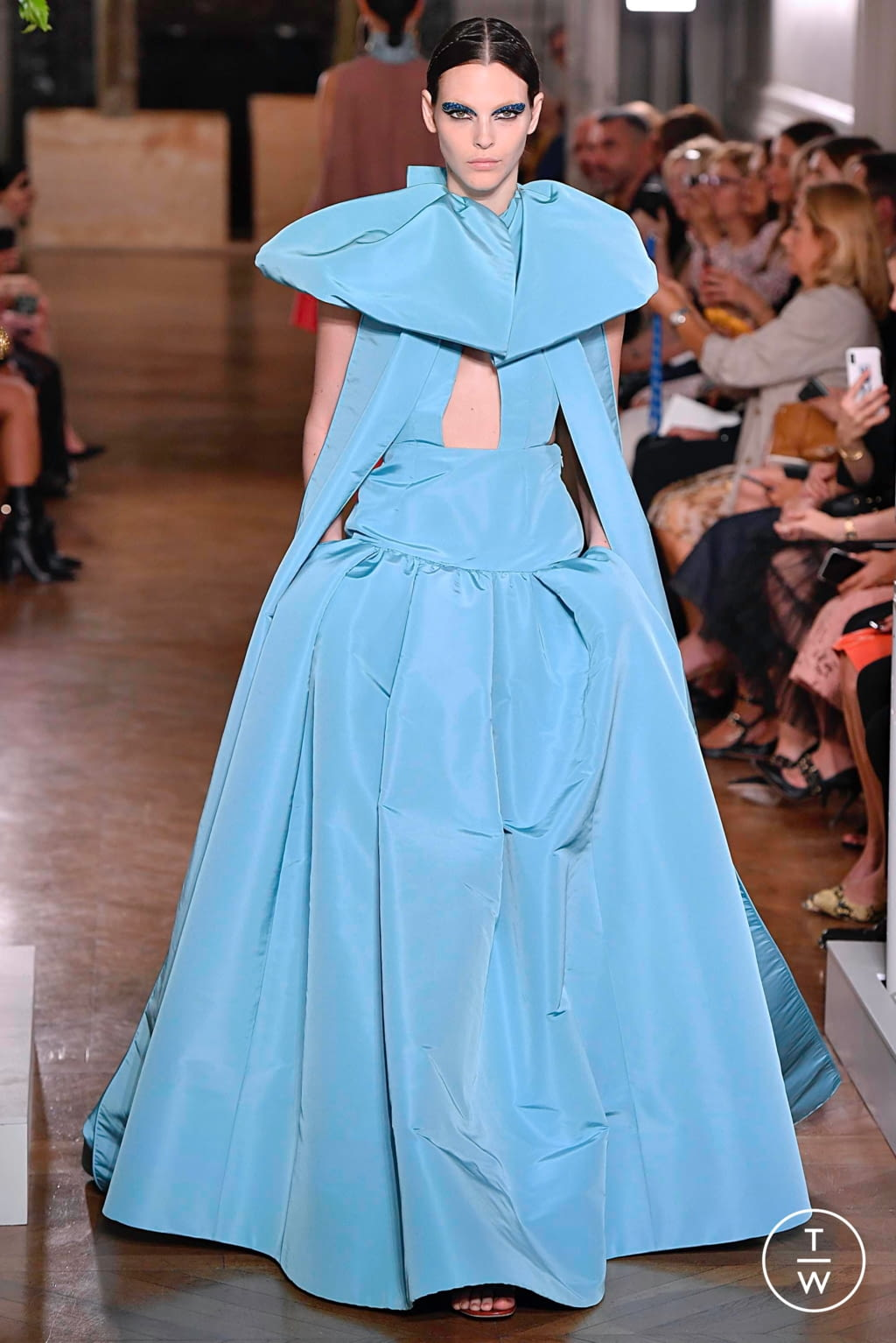 Fashion Week Paris Fall/Winter 2019 look 78 from the Valentino collection couture