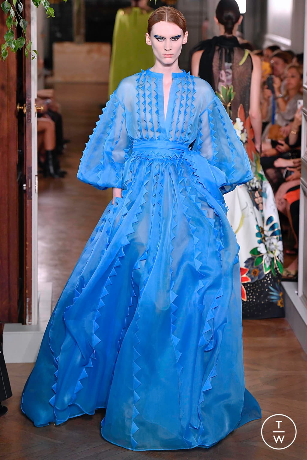 Fashion Week Paris Fall/Winter 2019 look 87 from the Valentino collection couture