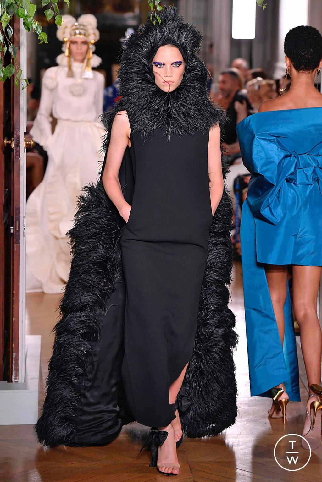 Fashion Week Paris Fall/Winter 2019 look 91 from the Valentino collection couture
