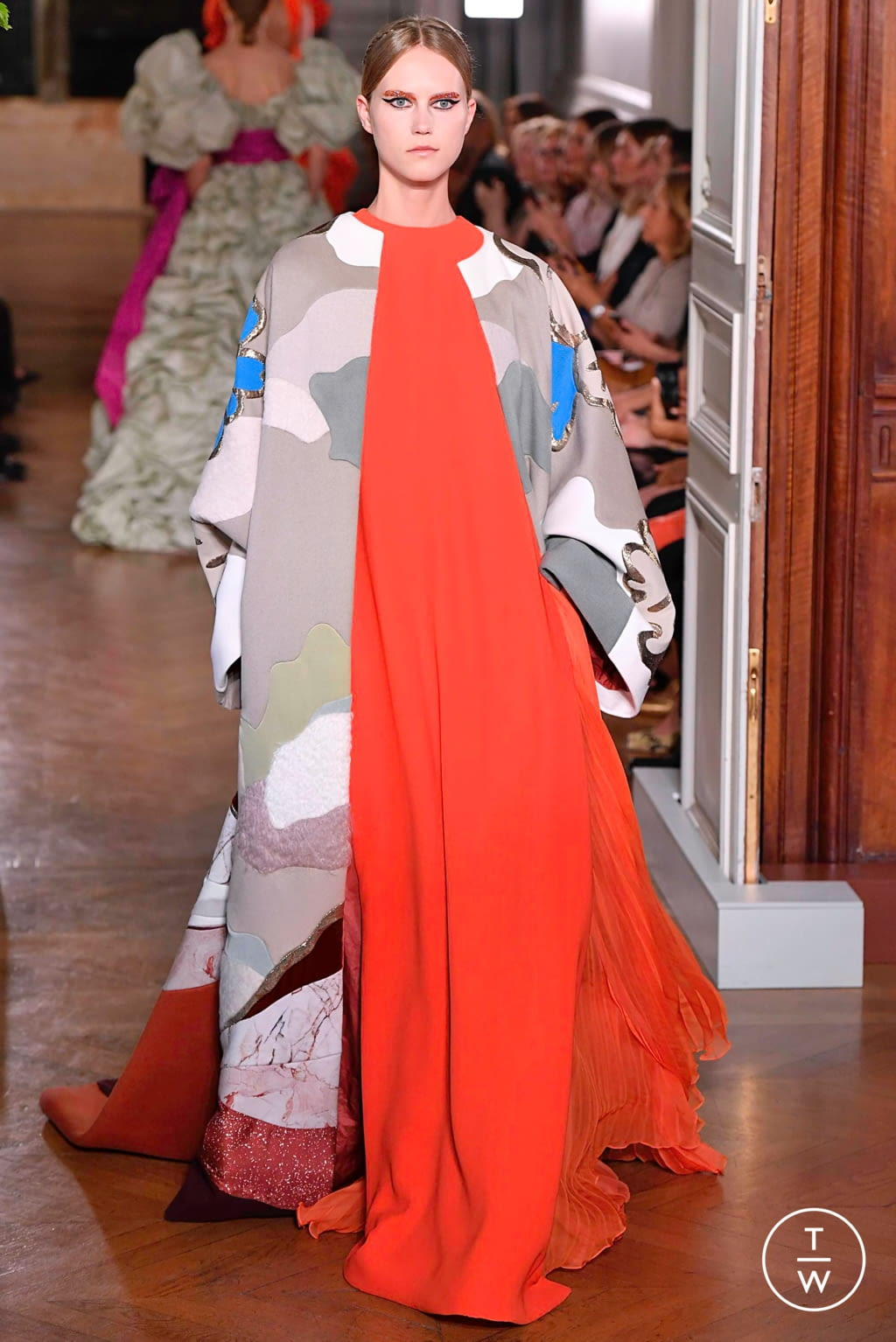 Fashion Week Paris Fall/Winter 2019 look 105 from the Valentino collection couture