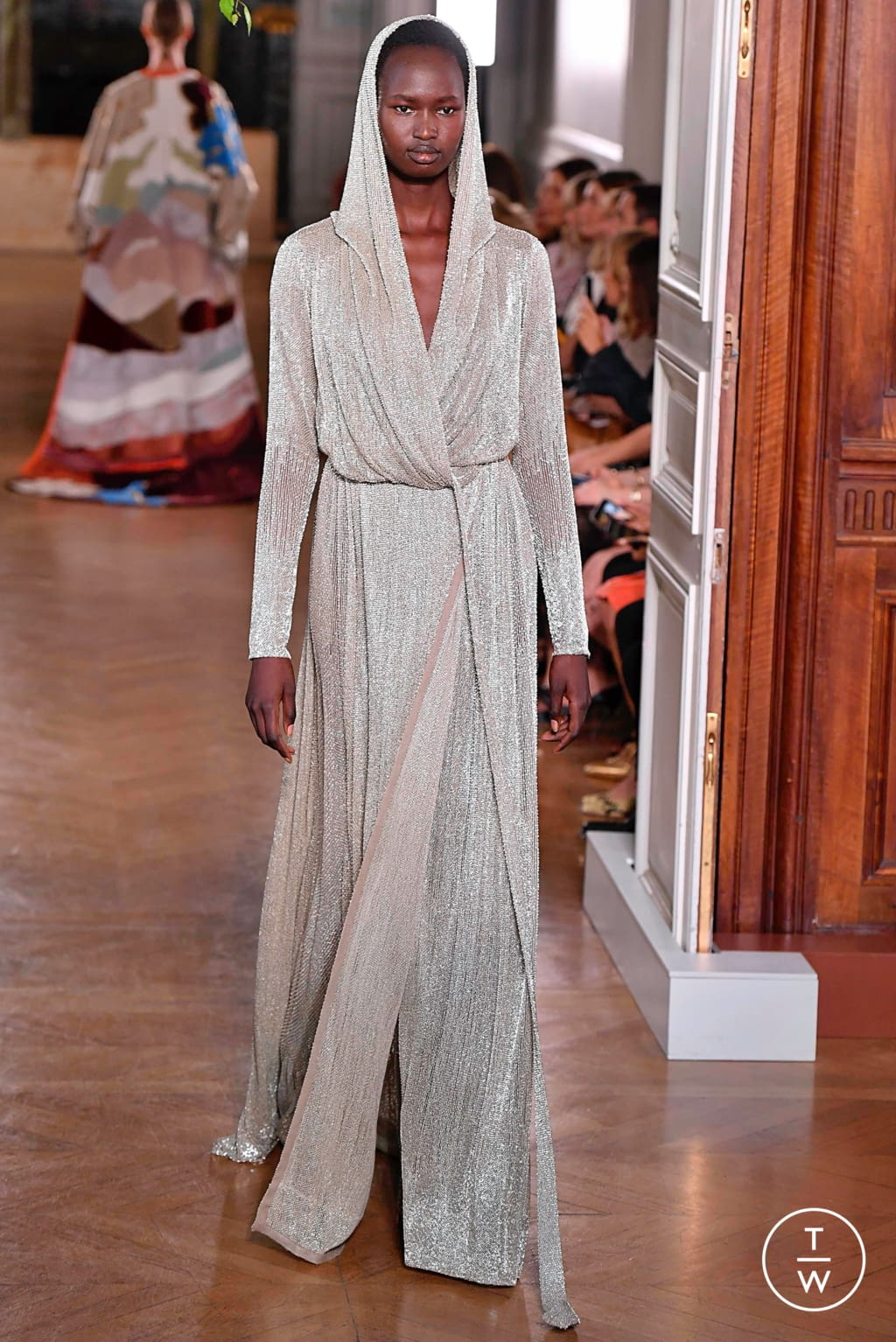 Fashion Week Paris Fall/Winter 2019 look 106 from the Valentino collection couture