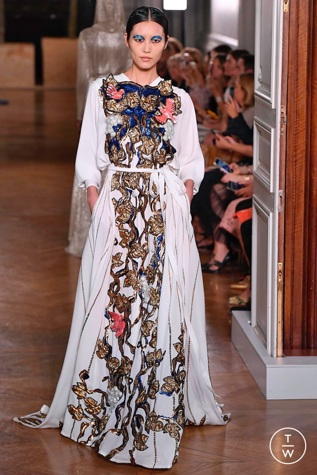 Fashion Week Paris Fall/Winter 2019 look 107 from the Valentino collection couture