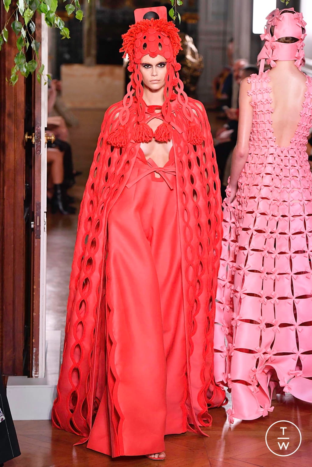 Fashion Week Paris Fall/Winter 2019 look 113 from the Valentino collection couture