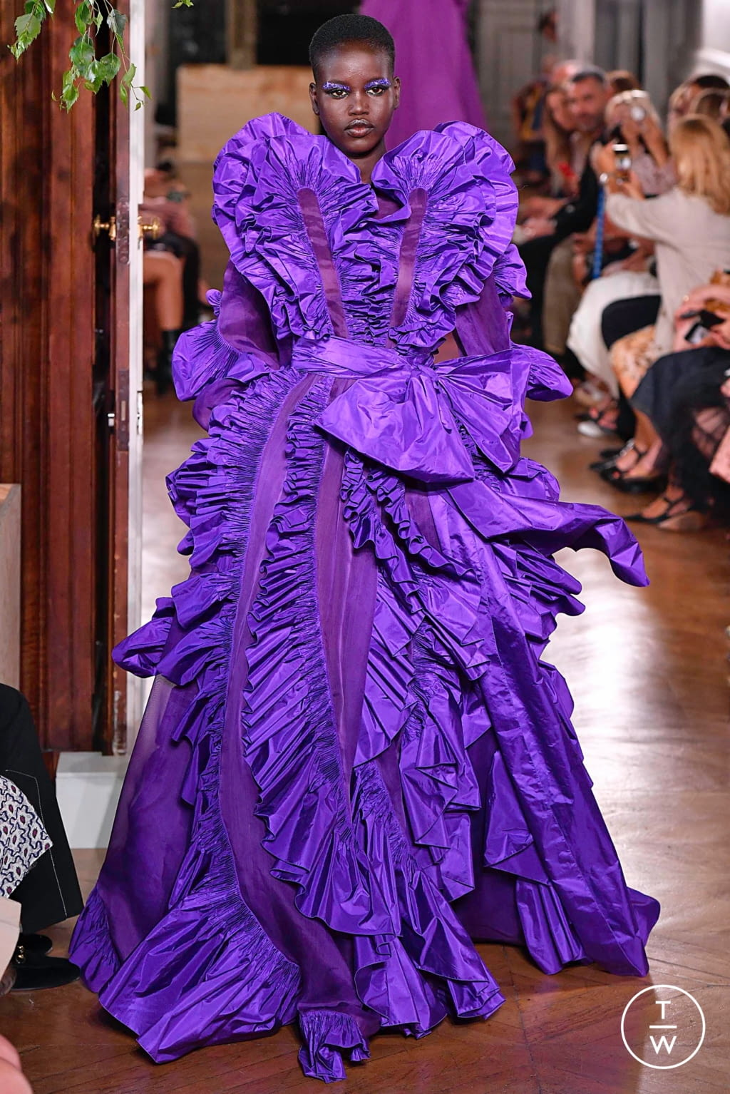 Fashion Week Paris Fall/Winter 2019 look 116 from the Valentino collection couture