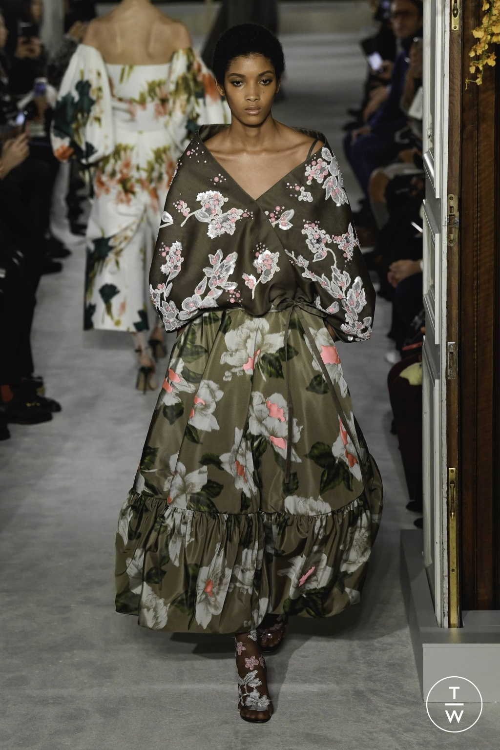 Fashion Week Paris Spring/Summer 2019 look 17 from the Valentino collection couture