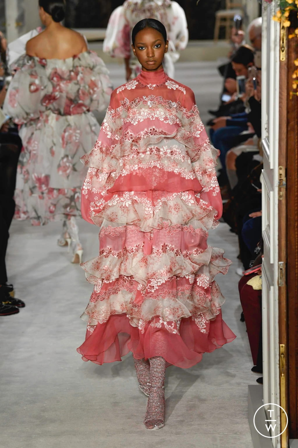 Fashion Week Paris Spring/Summer 2019 look 23 from the Valentino collection couture