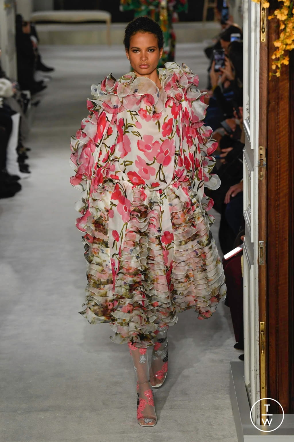 Fashion Week Paris Spring/Summer 2019 look 36 from the Valentino collection couture