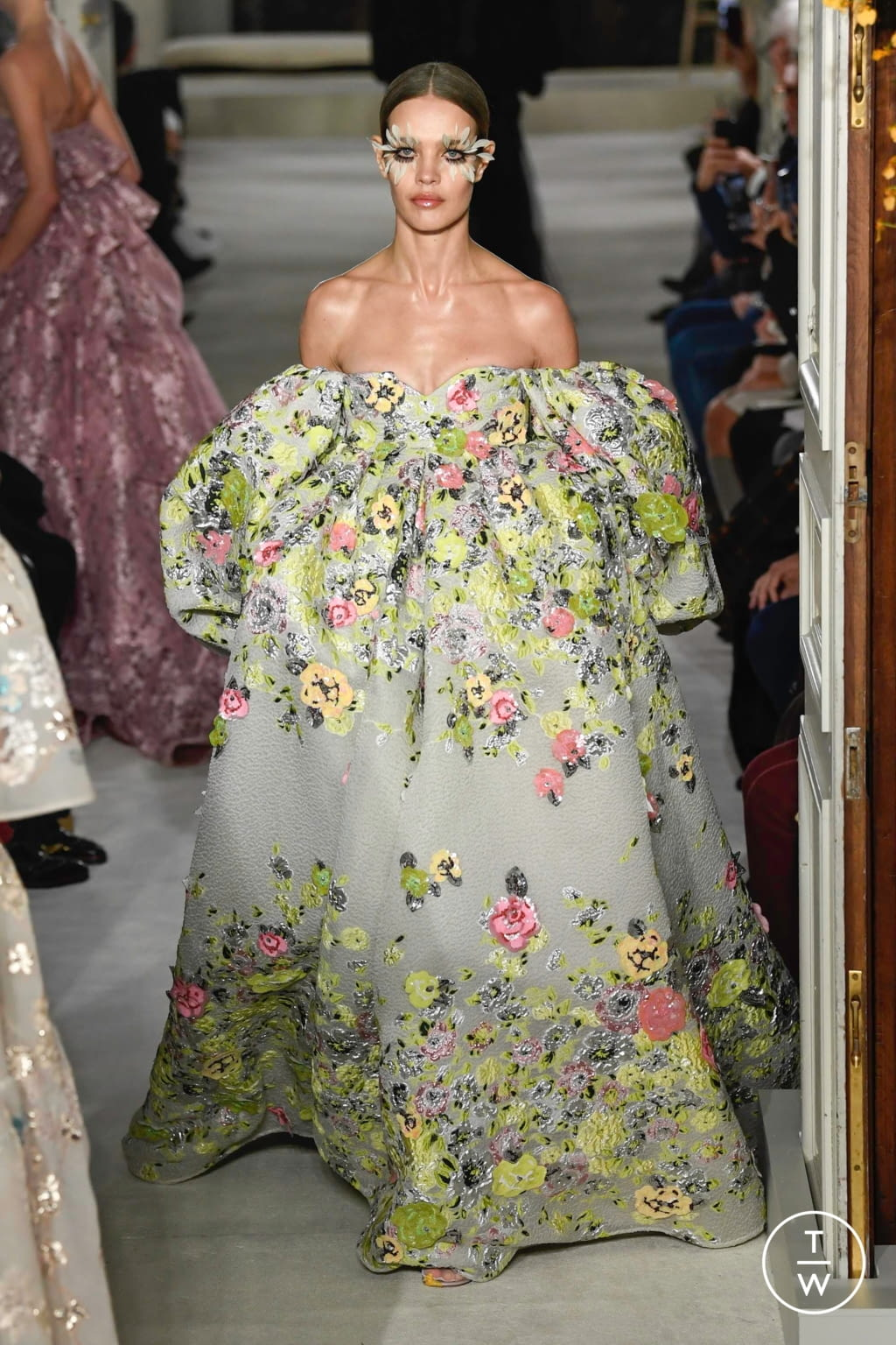Fashion Week Paris Spring/Summer 2019 look 47 from the Valentino collection couture
