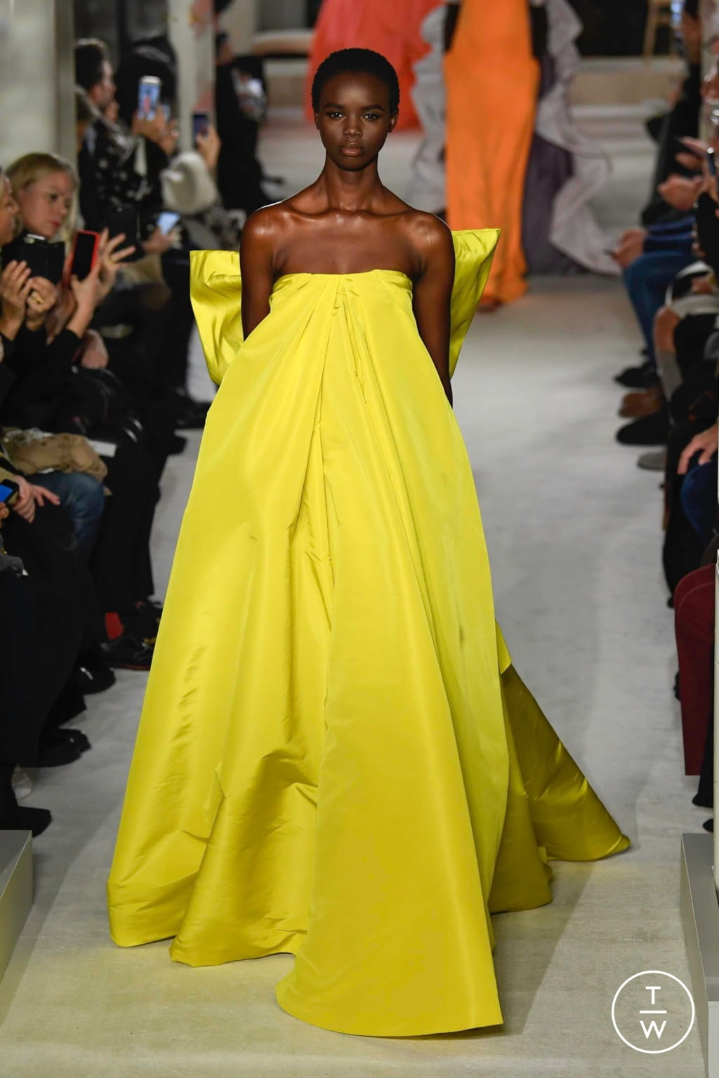 Fashion Week Paris Spring/Summer 2019 look 56 from the Valentino collection couture