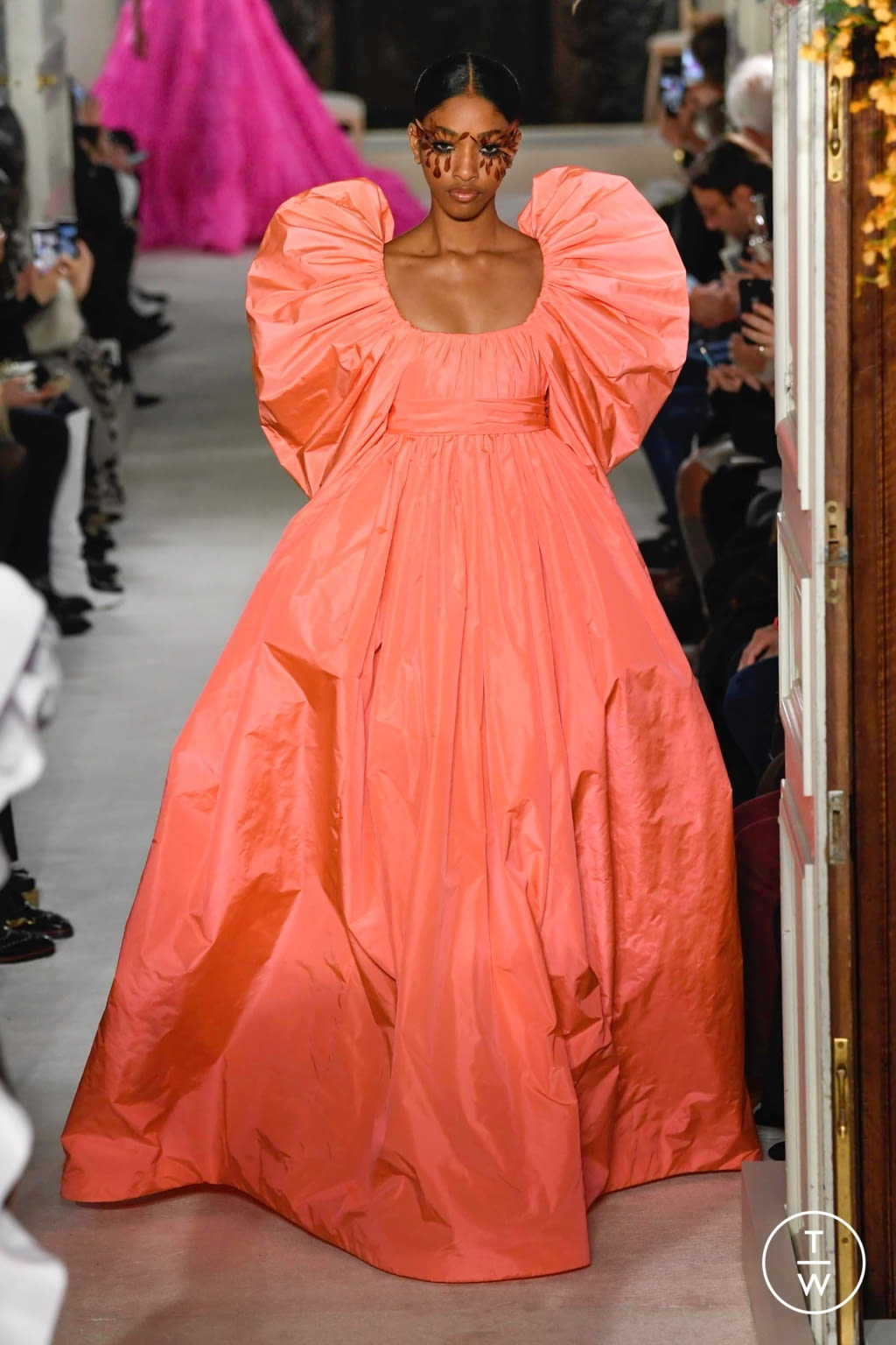 Fashion Week Paris Spring/Summer 2019 look 59 from the Valentino collection couture