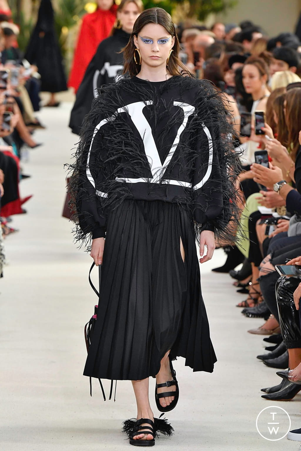 Fashion Week Paris Spring/Summer 2019 look 22 from the Valentino collection womenswear