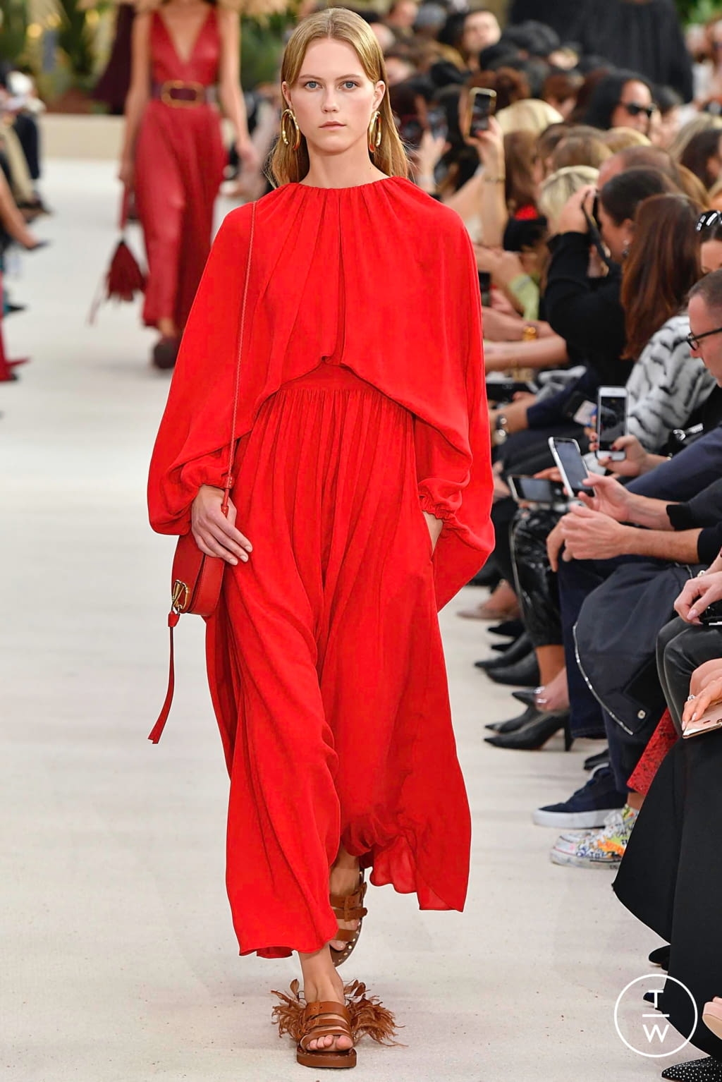 Fashion Week Paris Spring/Summer 2019 look 26 de la collection Valentino womenswear