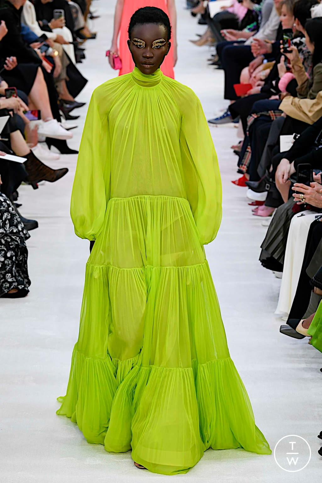 Fashion Week Paris Spring/Summer 2020 look 13 from the Valentino collection womenswear