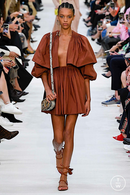 Fashion Week Paris Spring/Summer 2020 look 35 de la collection Valentino womenswear