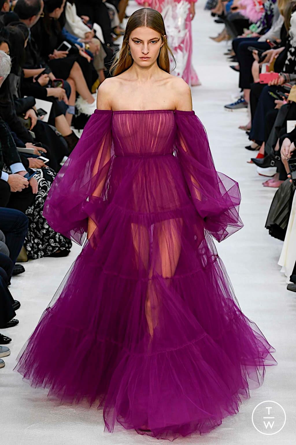 Fashion Week Paris Spring/Summer 2020 look 73 de la collection Valentino womenswear