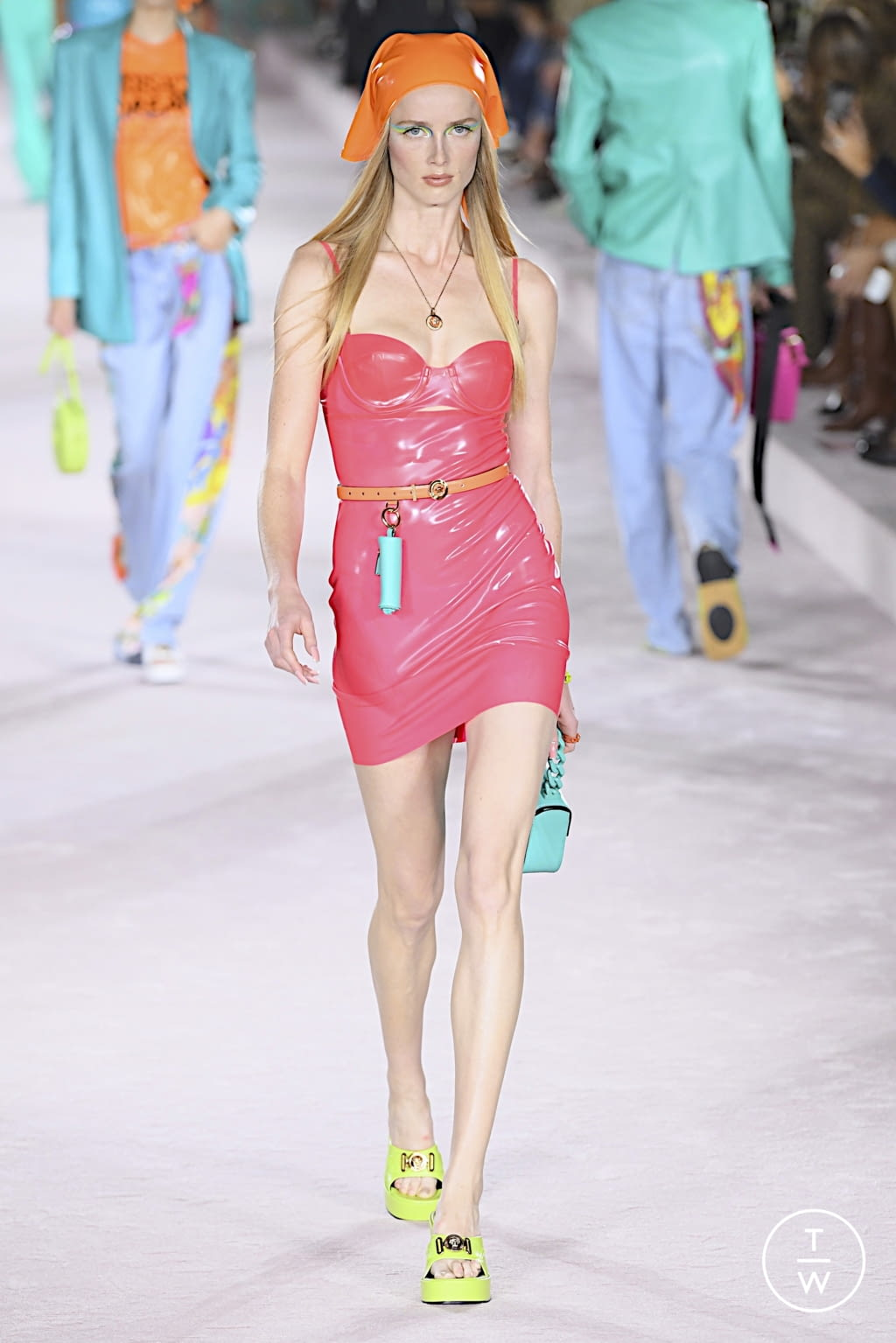 Fashion Week Milan Spring/Summer 2022 look 37 from the Versace collection womenswear