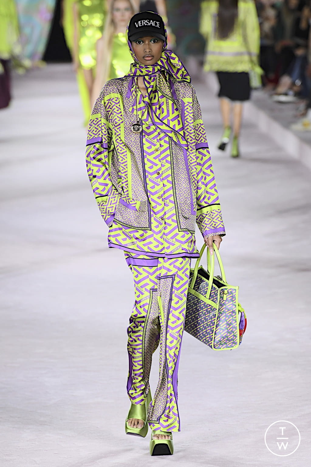 Fashion Week Milan Spring/Summer 2022 look 61 from the Versace collection womenswear